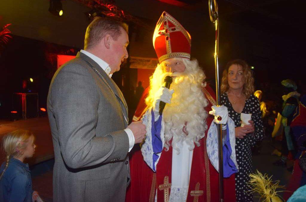 Sinterklaas feestelijk onthaald in Heinkenszand